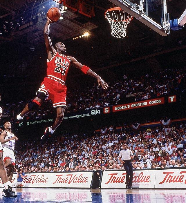 Michael-Jordan-Dunk-5