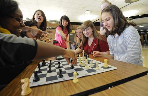 chess female chessplayers 2 at Richards High School Chicagoland 2012 11 17.jpg